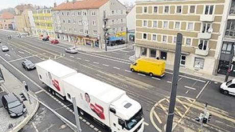 Moderne Verkehrsleittechnik soll die Friedberger Straße in Augsburg entlasten.