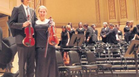 """Der Friedberger Julian Klaas und Konzertmeisterin Katharina Fröhlich traten mit dem """"Ensemble Médical"""" in der New Yorker Carnegie Hall auf."""
