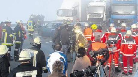 Zu den spektakulärsten Einsätzen im Vorjahr zählte für die Friedberger Feuerwehr die Massenkarambolage auf der Autobahn.