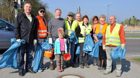 Die Mitglieder des Städtekomitees La Crosse waren am La-Crosse-Ring für ein sauberes Friedberg im Einsatz.