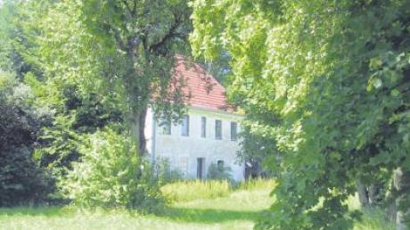"""Seit dem Tod des letzten Bewohners steht das """"Anwesen Schimpl"""" leer. Die Erbengemeinschaft hat nun einen Interessenten gefunden, der dort einziehen will."""