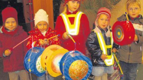 Der Martinsumzug soll in Mering heuer noch größer werden: Erstmals haben sich Meringer Kindereinrichtungen zu einer großen Feier zusammengeschlossen.