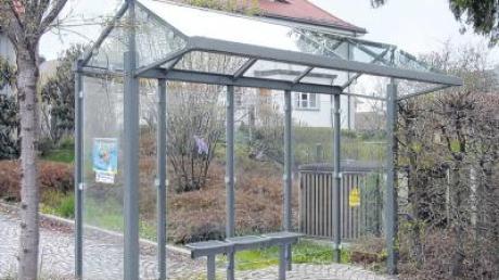 Ein solches Bushäuschen hat sich in Steindorf bewährt. Jetzt soll ein baugleiches nach Eresried kommen.