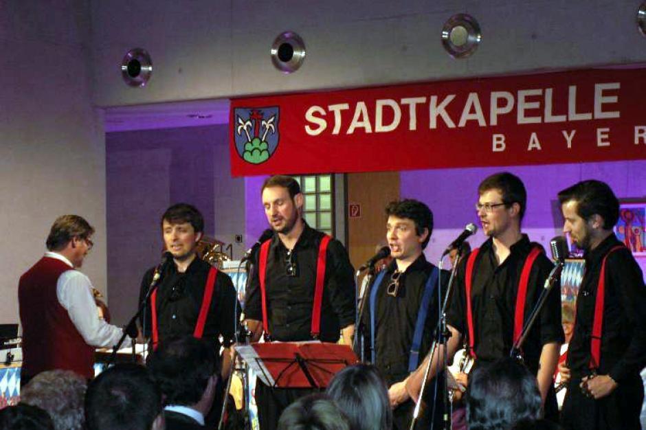 Friedberger Stadtkapelle Schlagerfans Kommen Auf Ihre Kosten