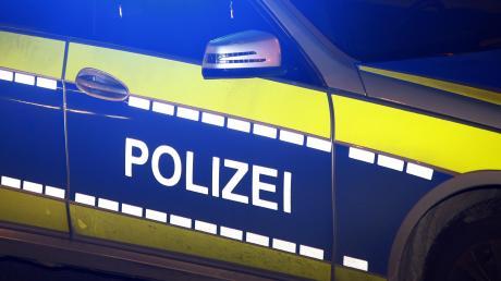 Die Polizei erwischte einen Gespannfahrer, der nicht die  Fahrerlaubnis zum ziehen des Anhängers besaß. (Symbol)