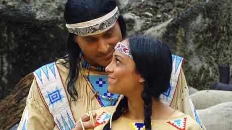 Winnetou und seine große Liebe Ribannah (Matthias M. und Marina Hohnke) sind die Hauptpersonen im neuen Stück der Western-City.
