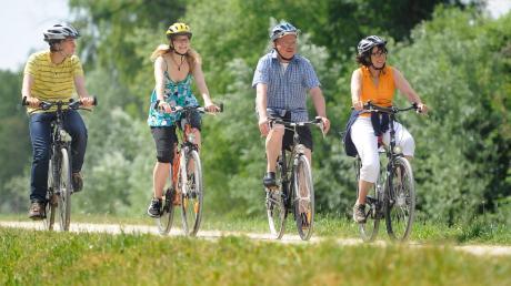 Ob quer durchs Allgäu, von Neu-Ulm nach Ingolstadt oder eine kurze Tour nach Augsburg: In der Region gibt es viele Radtouren.