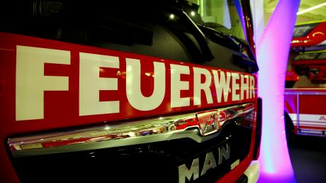 Die Freiwillige Feuerwehr Burgadelzhausen bekommt ein neues Feuerwehrauto.