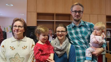 Sabine und Benjamin Schischka zogen mit ihren Kindern Emma (drei Jahre) und Elena (sieben Monate) und Mutter Margret Vogel von Puchheim beziehungsweise Germering im Sommer 2017 nach Mering.