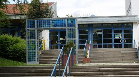 Der Osteingang der Dasinger Schule soll umgebaut werden.