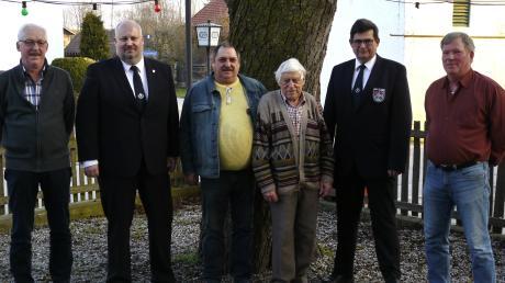 Ehrungen gab es bei den Veteranen in Egling: (von links) Andreas Berchtold, Peter Kaiser, Eduard Leonhard, Isidor Doll, Dieter Steininger, Willi Mayr.