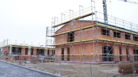 Bald können auch am Rosenacker in Baindlkirch die Häuslebauer loslegen. Die Gemeinde vergibt am Dienstag Bauplätze.