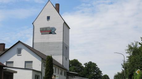 Der alte Getreidespeicher darf bleiben. Darin entstehen mehrere Wohnungen.