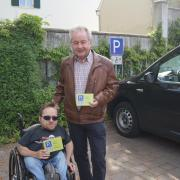 Stefan_Heigl_und_Georg_Schneider_bei_der_Parkplatzaktion.JPG