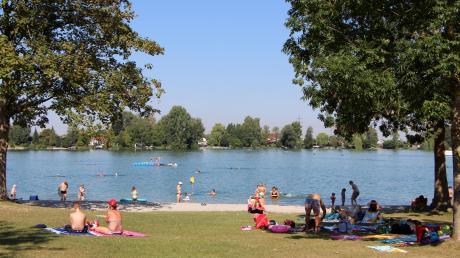 Am Friedberger Baggersee wurden Jugendliche Opfer eines Diebstahls. Die Polizei sucht nach Zeugen.