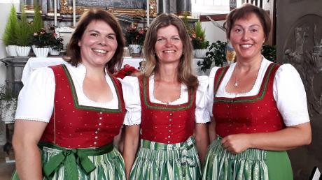 Lieder und Couplets für jede Gelegenheit und Jahreszeit haben Elisabeth Lugmair, Gabi Haslauer und Brigitte Schäffler (von links) in ihrem Repertoire.