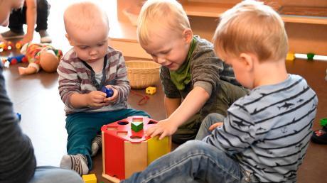 Ab März 2021 könnte es in Baar Betreuungsplätze für Krippenkinder geben.