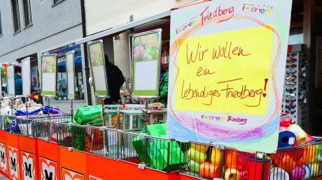 Kunden bangen um den Müller-Markt in Friedberg.