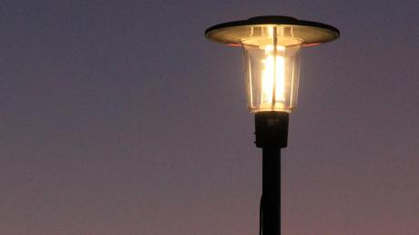 Mit dem Umstieg auf moderne LED-Lampen möchte die Gemeinde Ried rund 70 Prozent der bisherigen Stromkosten einsparen.