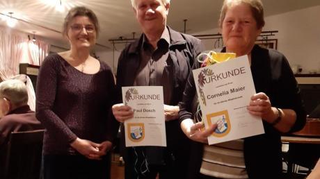 Der Liederkranz ehrt Mitglieder (von links): Maria Widemann, Paul Dosch und Cornelia Maier.