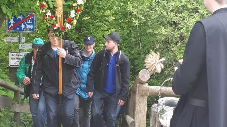 Von Baindlkirch aus bis zum Kloster Andechs haben sich die Pilger der Pfarreiengemeinschaft wieder auf den Weg gemacht.