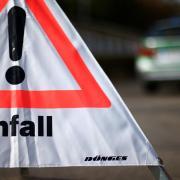 Auf der Straße zwischen Oettingen und Auhausen wäre es am Donnerstag fast zu einem schweren Autounfall gekommen.