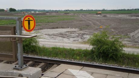 Angrenzend an den Bahnhaltepunkt St. Afra entsteht der neue Gewerbepark Mering West.