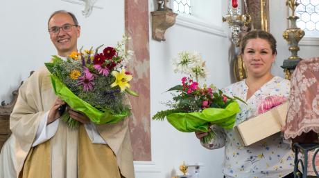 Pfarrer Florian Kolbinger und Gemeindereferentin Verena Wörle standen im Mittelpunkt des Dasinger Pfarrfests.  Foto: Thomas Schmid