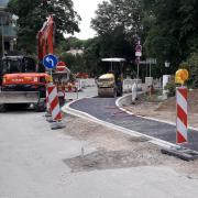 Schon beim Umbau der Bahnhofstraße zwischen Kreisverkehr und Kriegerdenkmal gab es in Friedberg immer wieder Ärger. Und die Pannenserie setzt sich fort.