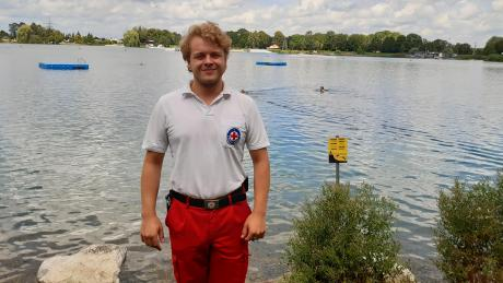 Etwa 20 Meter hinter Patrick Schneider auf diesem Foto ist es am 23. Juni passiert: Ein junger Mann drohte zu ertrinken. Geistesgegenwärtig griff der 23-Jährige ein.