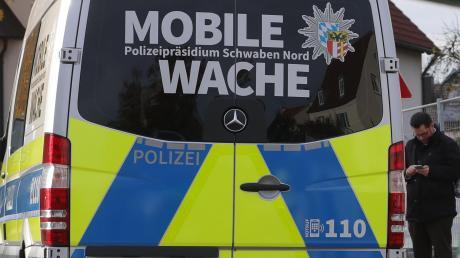 Die Mobile Wache der Polizei steht künftig regelmäßig am Parkplatz in der Ortsmitte Ried.