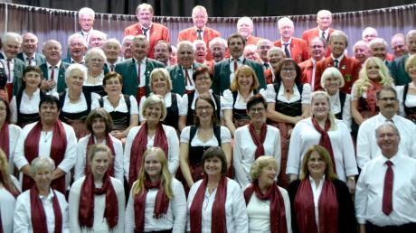 Der Eisbachtaler Liederkranz feierte sein 70-jähriges Bestehen. Der Kirchenchor Baindlkirch und der MGV Kissing gratulierten herzlich.