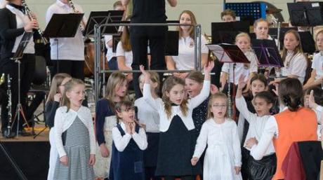 Am ersten Adventssonntag findet wieder das Adventskonzert der Kolpingkapelle statt, bei dem das Nachwuchsorchester einen großen Auftritt hat.