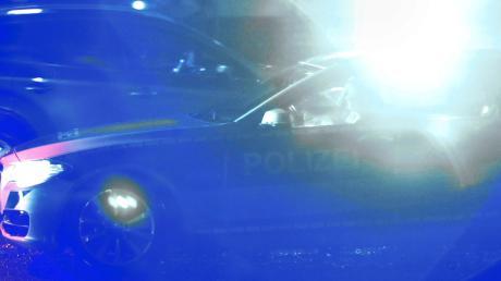 Einen Einsatz am Friedberger See hatte die Polizei nach einer Schlägerei vor der Disko.
