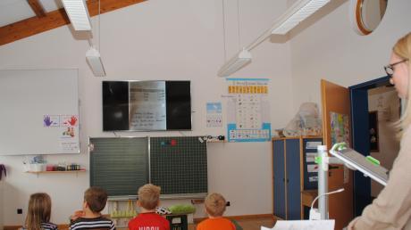 Lehrerin Denise Haberkorn kann im digitalen Klassenzimmer viel unmittelbarer mit ihren Schülern arbeiten.