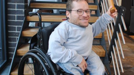 Treppen stellen bei der Vision des Meringer Behindertenbeauftragten Stefan Heigl das kleinste Problem dar. Er möchte für ein behindertengerechtes und barrierefreies Mering sorgen.