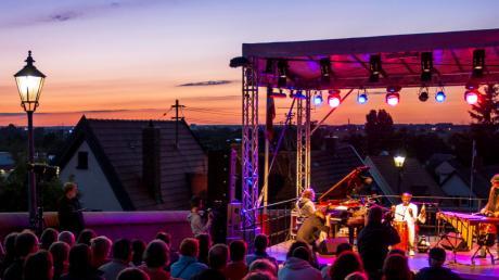 Zur Sommersonnenwende im Juni ist in Friedberg volles Programm angesagt - unter anderem auf der Bergbühne.