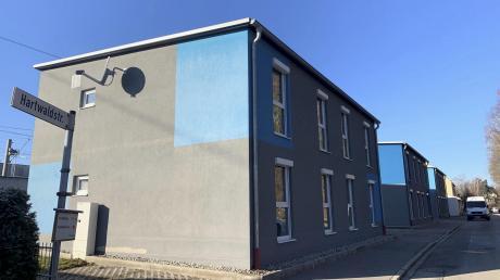 In die Gebäude an der Meringer Hartwaldstraße sollten eigentlich Asylbewerber einziehen. Stattdessen werden sie nun als Sozialwohnungen vermietet