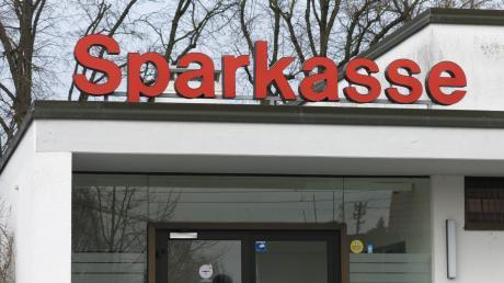 Die Sozialstation Augsburg-Hochzoll, Friedberg und Umgebung zieht in das Sparkassen-Gebäude an der Augsburger Straße in Friedberg West.