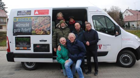 Das ehrenamtliche Fahrerteam um Quartiersmanagerin Claudia Bordon-Vieler nimmt zunächst an einzelnen Werktagen einen Linienverkehr innerhalb des Rieder Gemeindegebietes auf.