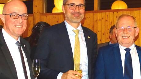 Landrat Klaus Metzger (links) und sein Stellvertreter Manfred Losinger (rechts) begrüßten den Südtiroler Landeshauptmann Arno Kompatscher zum Neujahrsempfang der CSU.