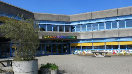 In wenigen Jahren wird die Vinzenz-Pallotti-Schule umziehen. Das alte Gebäude wird abgerissen und an seiner Stelle könnten Wohngebäude entstehen.
