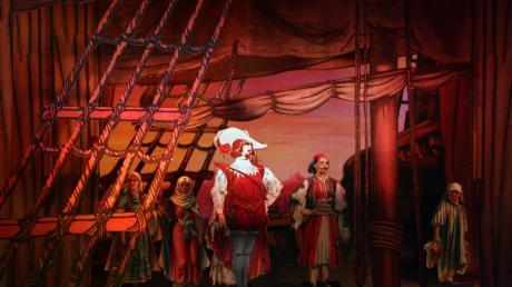 """Szene aus der """"Entführung aus dem Serail"""" mit Belmonto auf dem Schiff."""