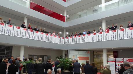 Die Stadtratskandidaten der Friedberger SPD präsentierten sich und ihre politischen Ziele beim Neujahrsempfang im Sparkassengebäude.