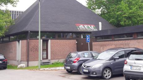Der Musikpavillon am Friedberger Volksfestplatz genügt den heutigen Ansprüchen nicht mehr in allen Belangen.