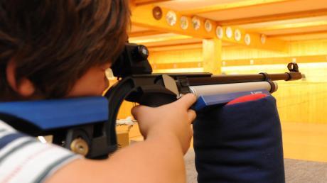 Mit Laser-Gewehren können sogar Kinder schon im Schützenverein trainieren.