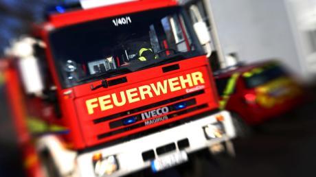 Die Freiwillige Feuerwehr  Stätzling wurde am Freitag zu einem brennenden Fahrzeug gerufen.