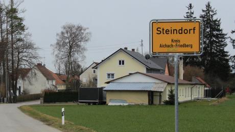 Steindorf ist die kleinste Gemeinde im Landkreis. Mit fünf kleinen neuen Baugebieten soll die Kommune im Laufe der kommenden Jahre moderat wachsen. Größere Investitionen stehen demnächst im Bereich der Feuerwehr an.