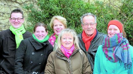 Levin Velt, Sophie Schweyer, Barbara Devin, Britta Freitag, Alexander Zietzschmann, Katharina Velt (von links) und Gerald Fischer (nicht im Bild) wollen für die Grünen in den Gemeinderat Schmiechen.
