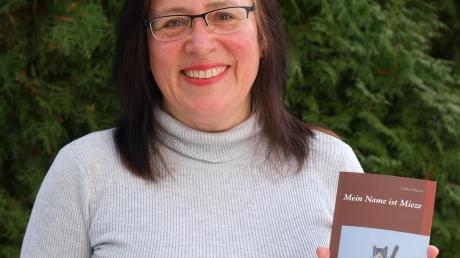 """Heike Scherer aus Mering hat ein Buch mit dem Titel """"Mein Name ist Mieze"""" veröffentlicht."""